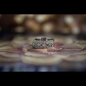 Champagne Diamond(s) ring